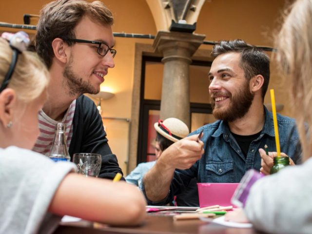 25 pravidel seznamování gayů jak požádat o první rande online datování